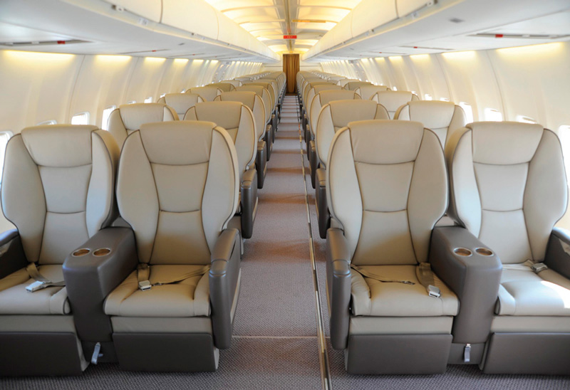 Commercial aviation boeing 737 boeing 737 400 aircraft for Interieur 747 cargo