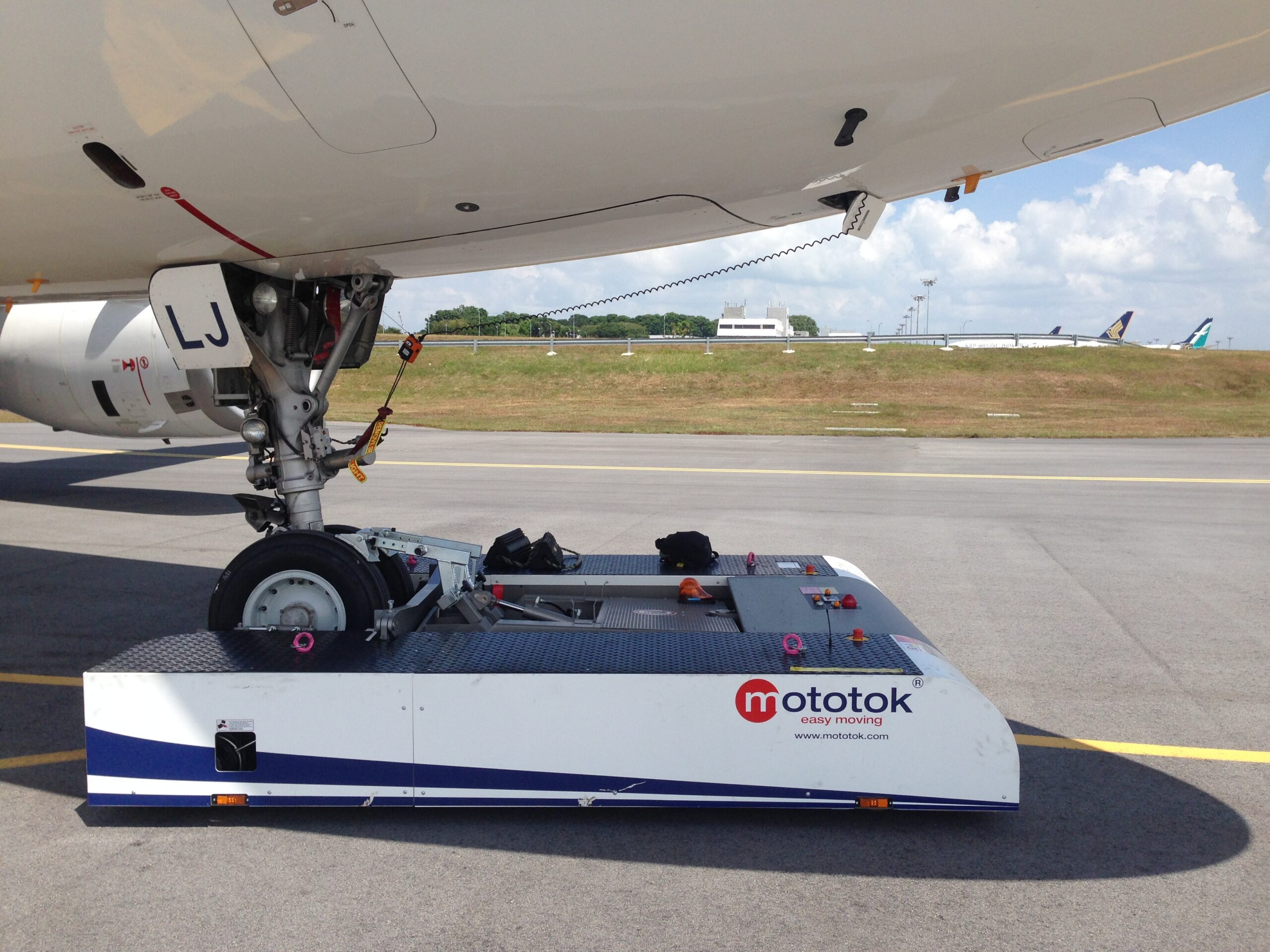 Remote-controlled tugs for #aircraft. @JobToRob: #news: Jobs to #Robots! #Work for Robots! Hire Robots!