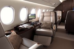 Falcon_2000LX_interior_3