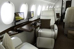Falcon_2000S_interior_1